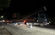 北通兰田路段发生严重事故致一死一伤,现场电车倒在拖车车轮下