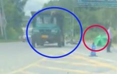 福旺高速路口一男子不幸车祸身亡,事故现场连人带车倒在路中