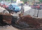 金浦大道人民医院附近路段施工挖坑围网,但希望能放个安全警示牌
