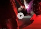 寨圩一男子驾驶摩托车撞上路边护栏头破血流直接躺地上,伤势严重