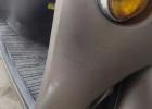 张黄派出所路段两车碰撞致连人带车摔倒受伤,肇事车不闻不问开溜